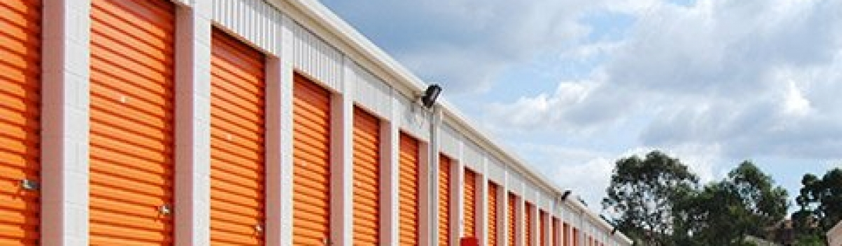 RECLAIM YOUR HOME WITH SELF STORAGE